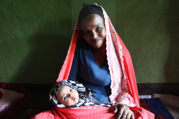 Rabiya with her daughter, Fedila, in Ethiopia