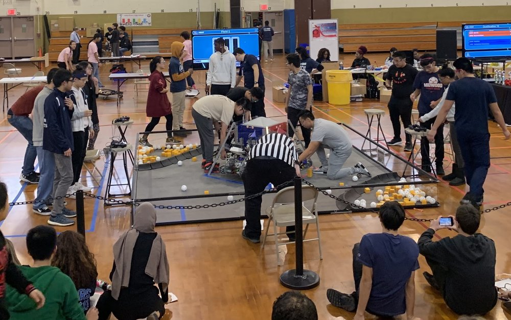 Midwood's Rolling Drones, Bötley Crüe, and Pink Droyd competed at John Dewey.  Photo Credit: Ashley Zheng