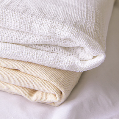 Hospital Blankets - 3 lb BLENDED, SNAGFREE1.7 lb UNBLEACHED