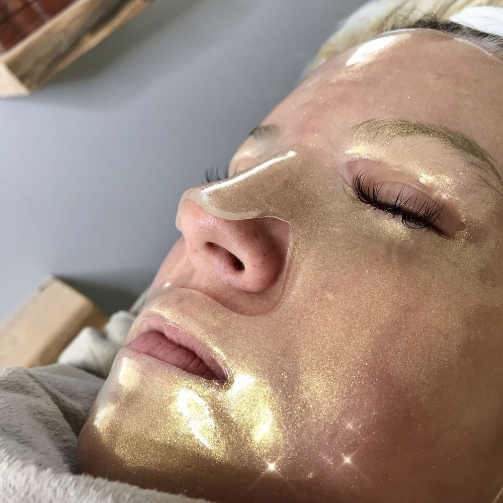 Placenta StemCell Mask - Reduce expression lines, promote collagen synthesis, and enjoy firm, supple skin. This award-winning mask contains natural actives, antioxidants, and peptides formulated to deliver phenomenal results with your very first treatment for radiant, ageless skin.