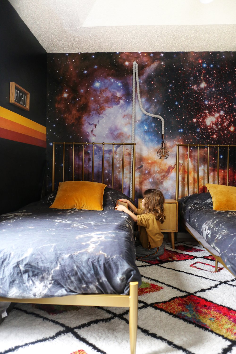 spacethemedbedroom.jpg