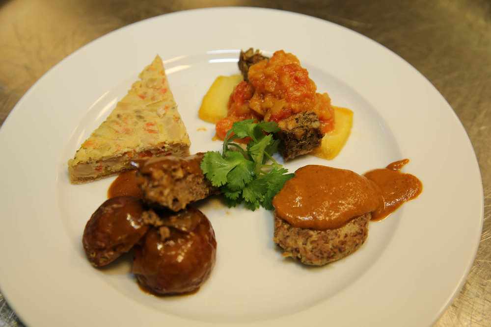 Quiche, Black-Eyed Pea Loaf, Lentil Cutlet, & Pinto Bean Salisbury Steak