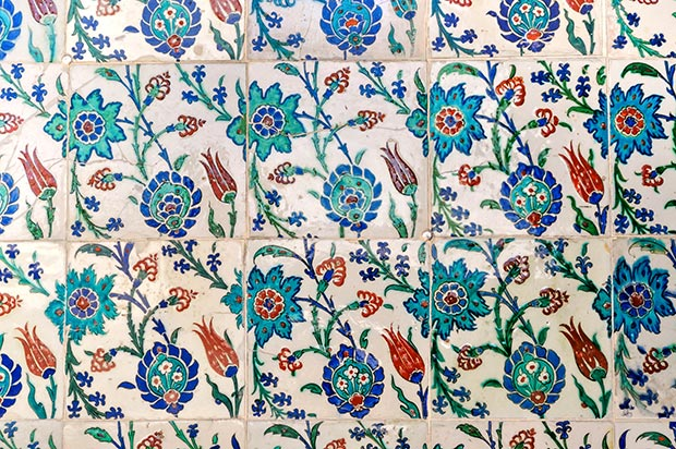 The Rustem Pasha Iznik tiles / Photo © Islamic Arts Magazine