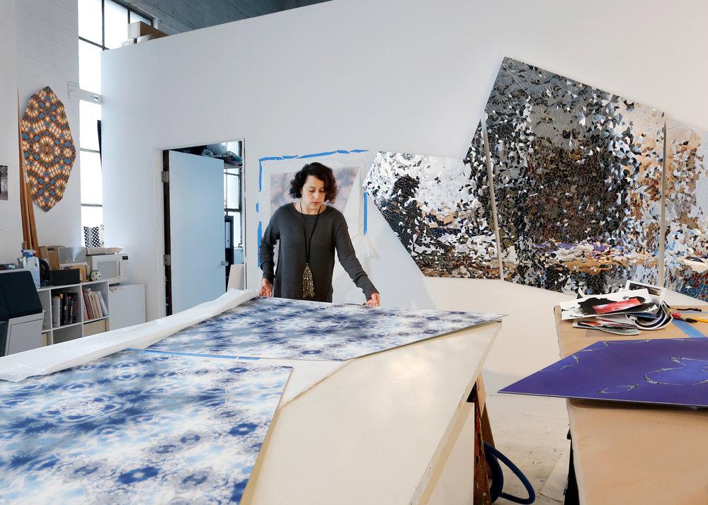 Kaleidoscopic Worlds: An Interview with Sanaz Mazinani    Underline 3 , 75-79, 2018.