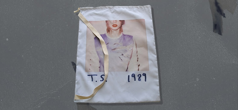 Photo: Taylor Swift laundry bag