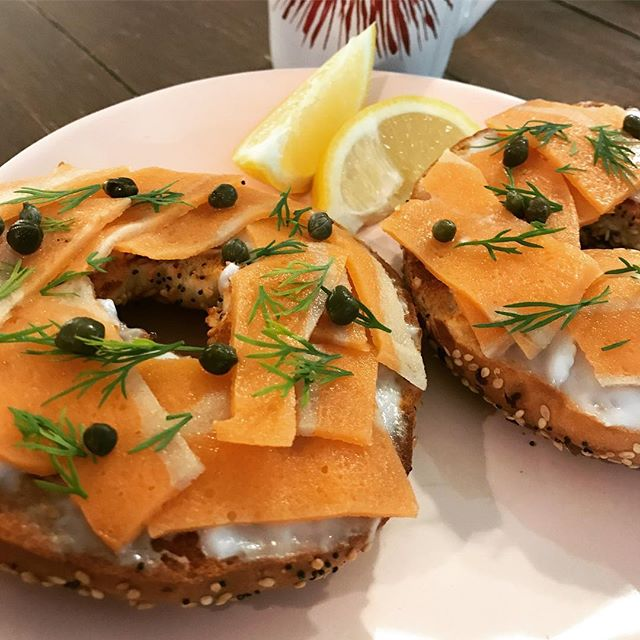 Everything bagel with cream cheese, salmon, dill, capers & fresh lemon. . . . . #govegan #Vegan #Vegansofig #Veganfoodshare #WhatVegansEat #PlantBased #crueltyfree #VeganFood #SouthernCooking  #SouthernVegan #instavegan #Instafood #instagood #food #foodphotography #delicious #baking #buzzfeedfood #feedfeed #huffposttaste #f52grams #forkfeed #buzzfeast #tastespotting #goodeats #foodphotography #foodporn #eattherainbow #foodshare #veganbombs