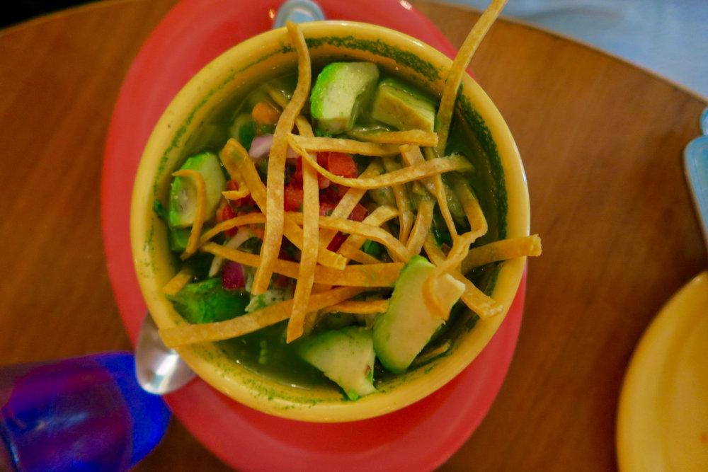 Green pozole soup