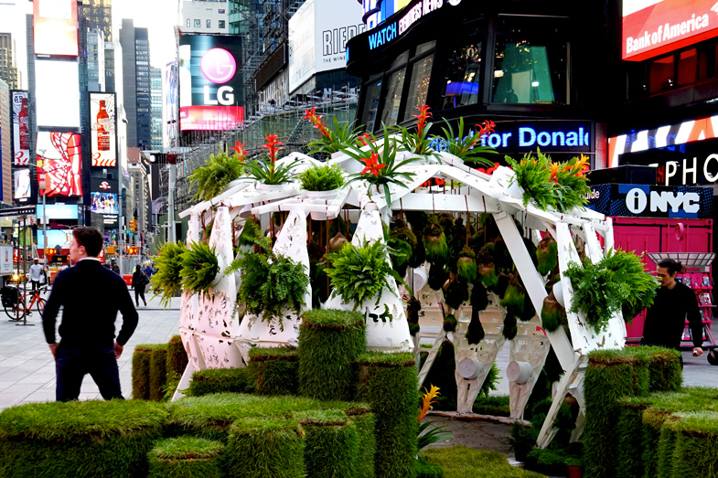 Times_square_electronic_garden.png