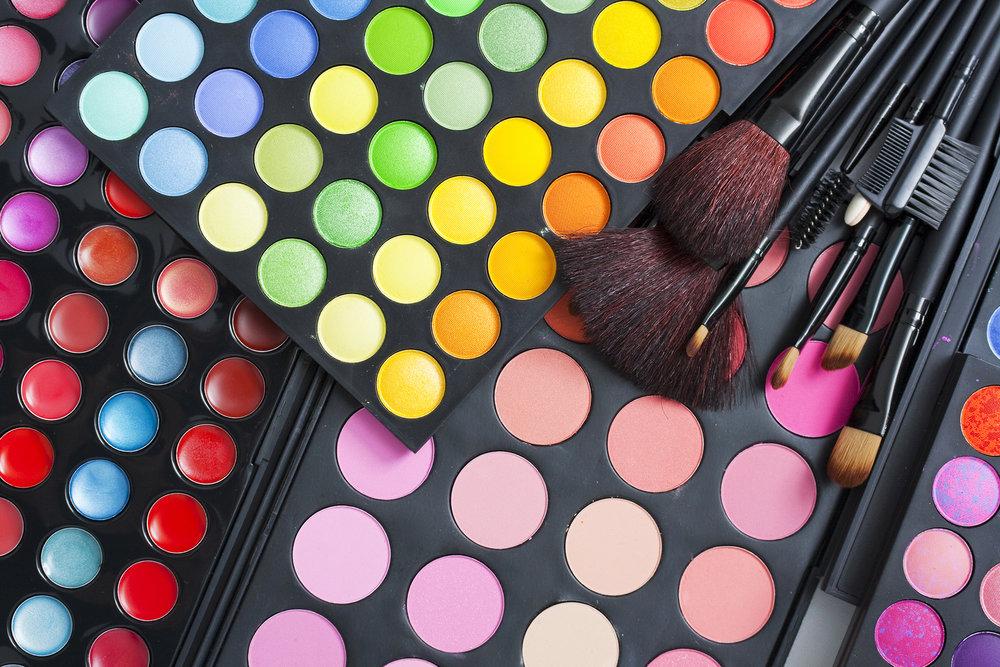 bigstock-Professional-makeup-palette-an-26374667.jpg