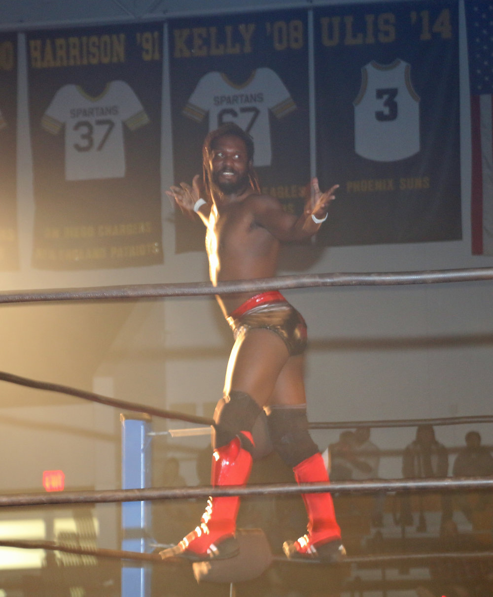 Rich Swann poses on the ropes before the opening match with Andrew Everett.