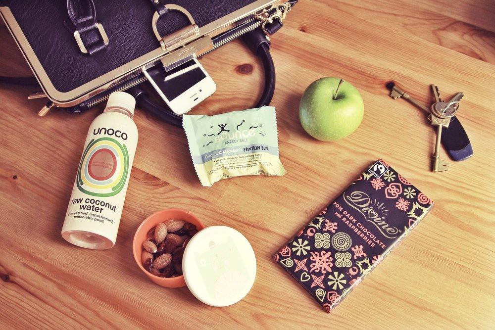 healthy+snacks-in-a-purse.jpg