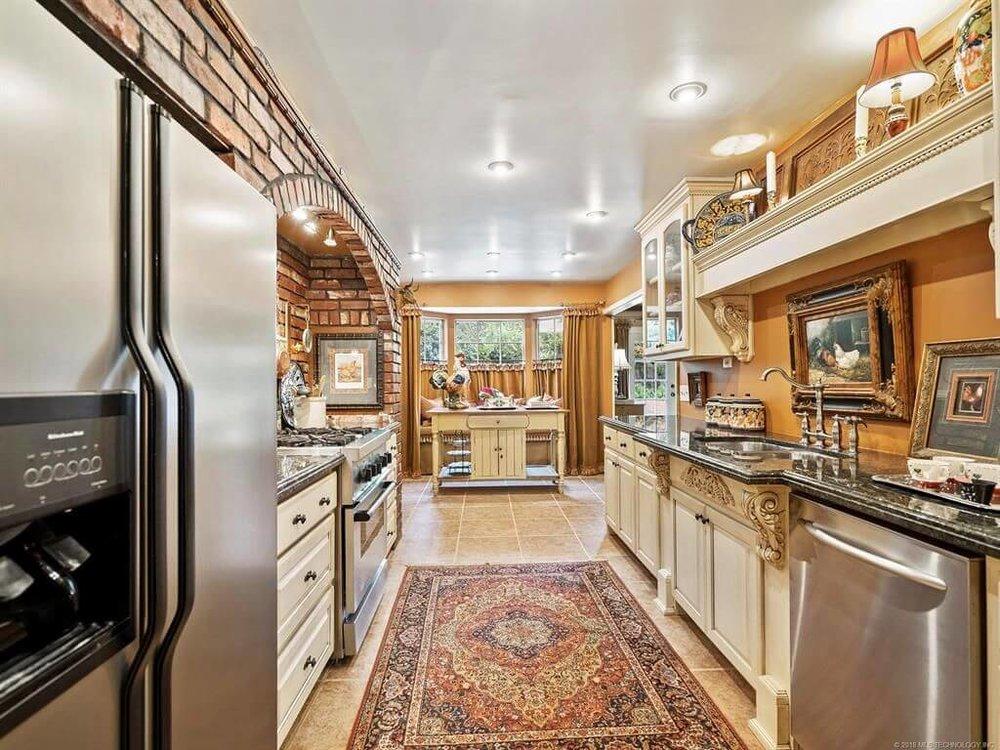 5023 S Hudson Pl, Tulsa, OK 74135 - SOLD FOR $219,000