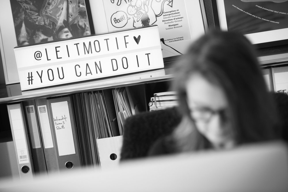 Dynamique, flexible et innovant - leitmotif part de l'adage qu'il n'est pas essentiel de tout savoir mais de savoir où tout se trouve…Pour répondre aux demandes de ses clients et offrir des compétences complémentaires à sa palette de services, leitmotif dispose d'un réseau d'indépendants et d'intervenants spécialisés dans leurs domaines : graphistes, concepteurs, imprimeurs, photographes, traducteurs, …
