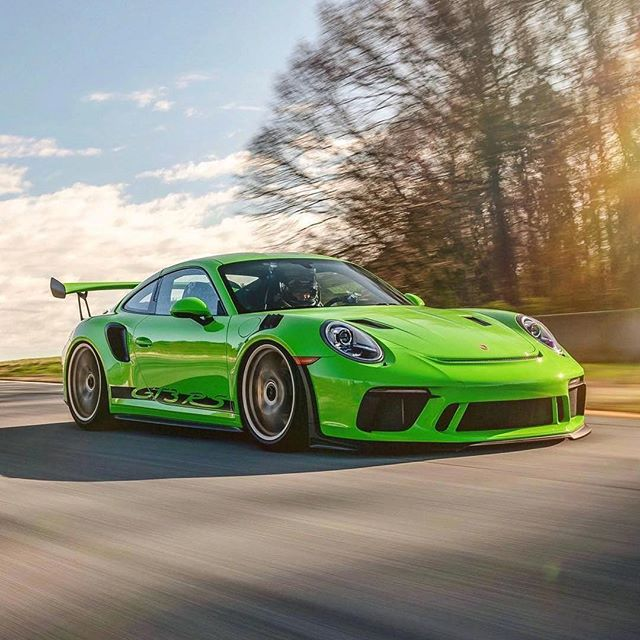 What do you think of this roller? Moving beast GT3RS #makegreengreatagain . . . 📸 @taied_up #porsche911 #911 #gt3rs #997 #porschegt3rs #supercarsdaily700 #porsche991 #supercars #991 #porsche911gt3rs #911gt3rs #carsofinstagram #carswithoutlimits #amazingcars247 #hypercars #sportscars #carinsitagram #carlifestyle #racecar #autogespot #cargram #gt3 #carlife #lizardgreen #carphotography #superexoticscars #naturallyaspirated #pdk #centerlock —————————————— Check our friends accounts: @porsche.universe  @acespider_photography  @samizdatbe  @espressoproject.be