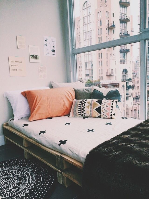 I don't usually like corner beds, but this could actually work for us. It's super cozy. But can we talk about this mattress? It can't be inset, can it? Is it just that thin??