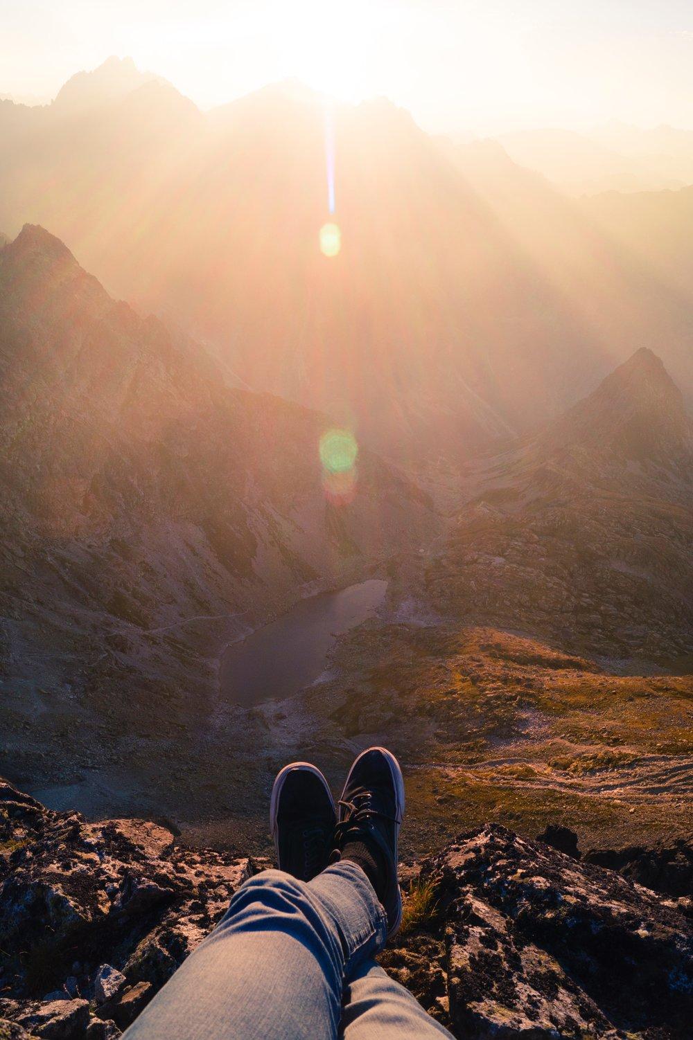 chill-chilling-feet-91223.jpg