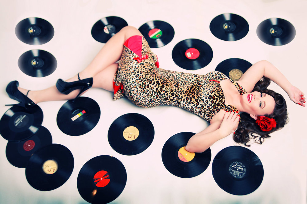 Chicago-Pinup-Photographer-Records-Heaven