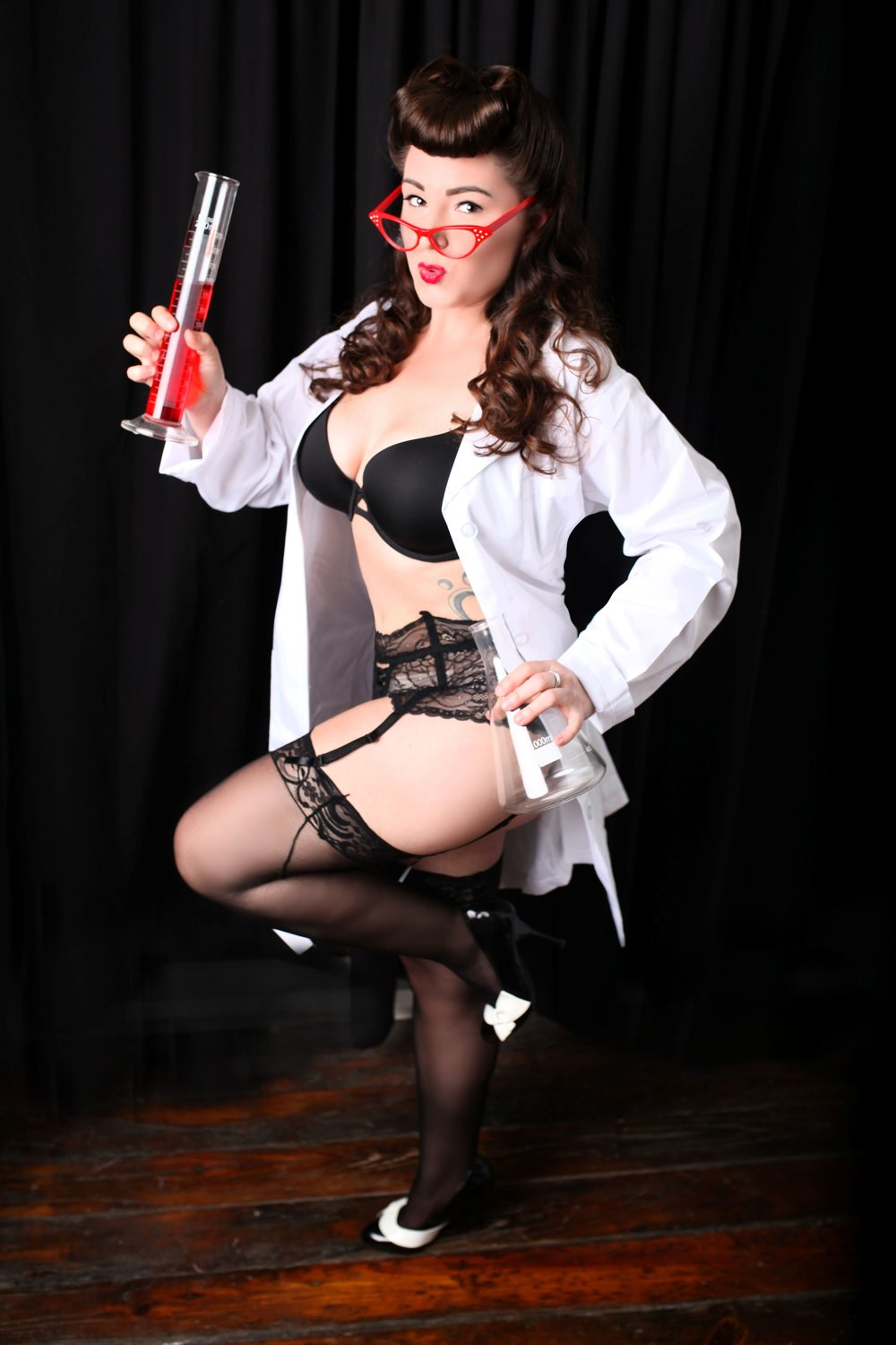 Chicago-Pinup-Photographer-Test-Tubes-Lab-Coats-and-Experiments