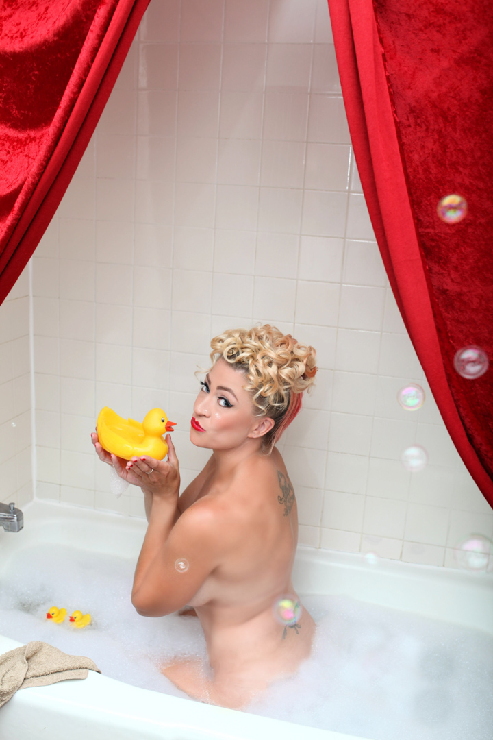 Chicago-Pinup-Photographer-Rubber-Duckie