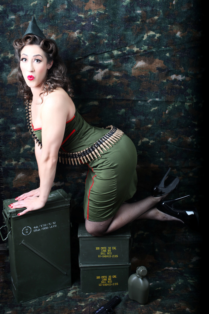 Chicago-Pinup-Photographer-Ammo-Girl