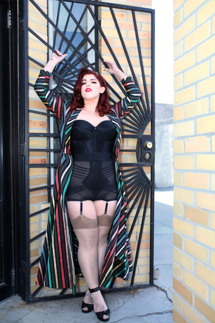 Chicago-Pinup-Photographer-Caged-Door