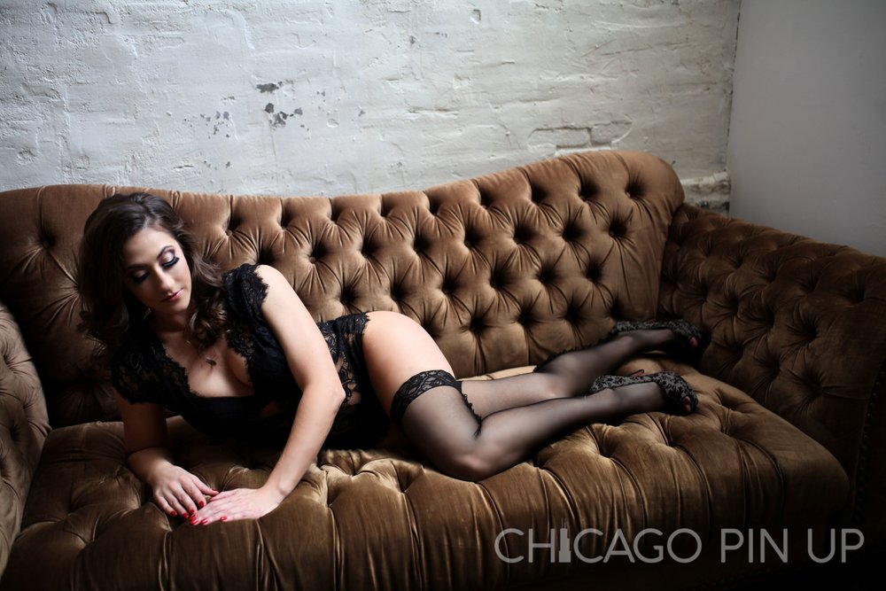 Chicago-Pinup-Boudoir-Photography-Sofa