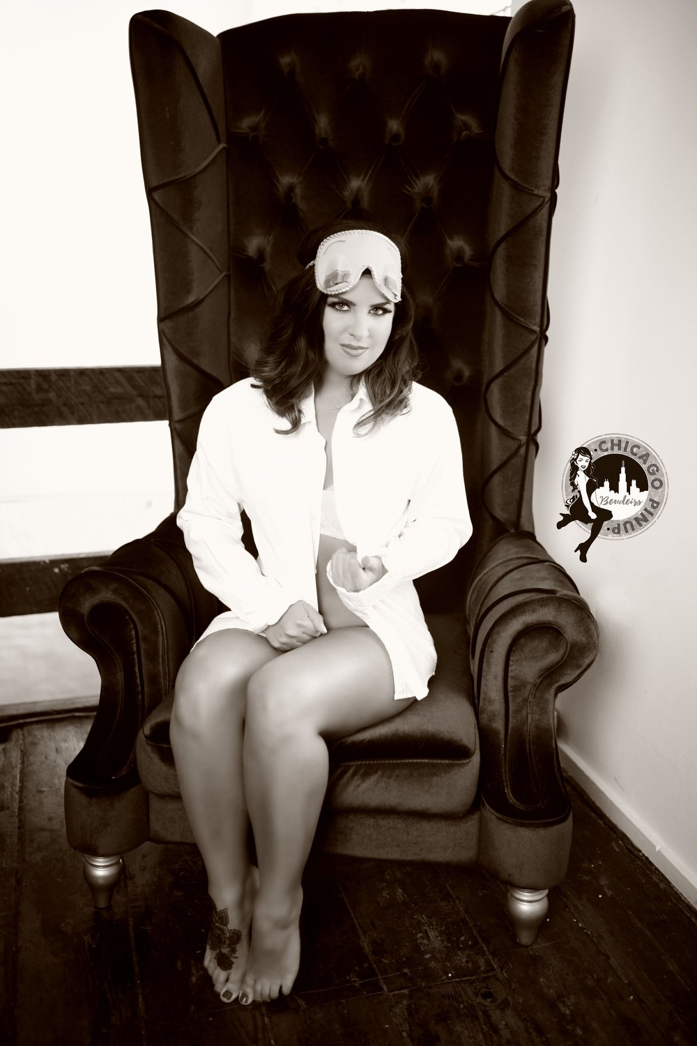 Chicago-Pinup-Boudoir-Photography-The-Big-Chair