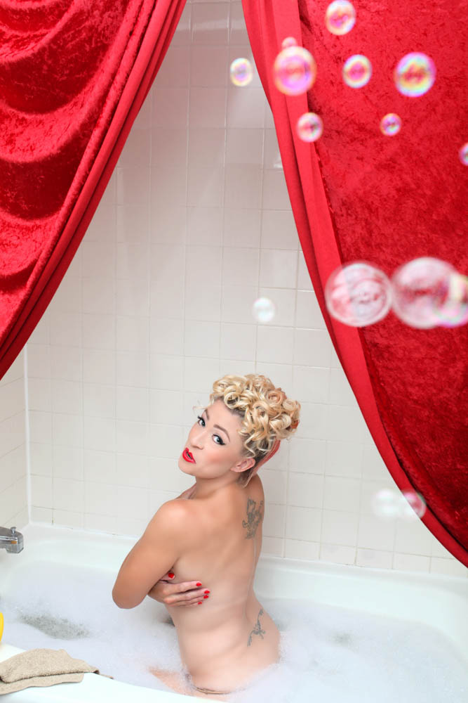 Chicago-Pinup-Boudoir-Photographer-Karina-Velez-The-Ultimate-Pinup-Experience-Bubble-Bath