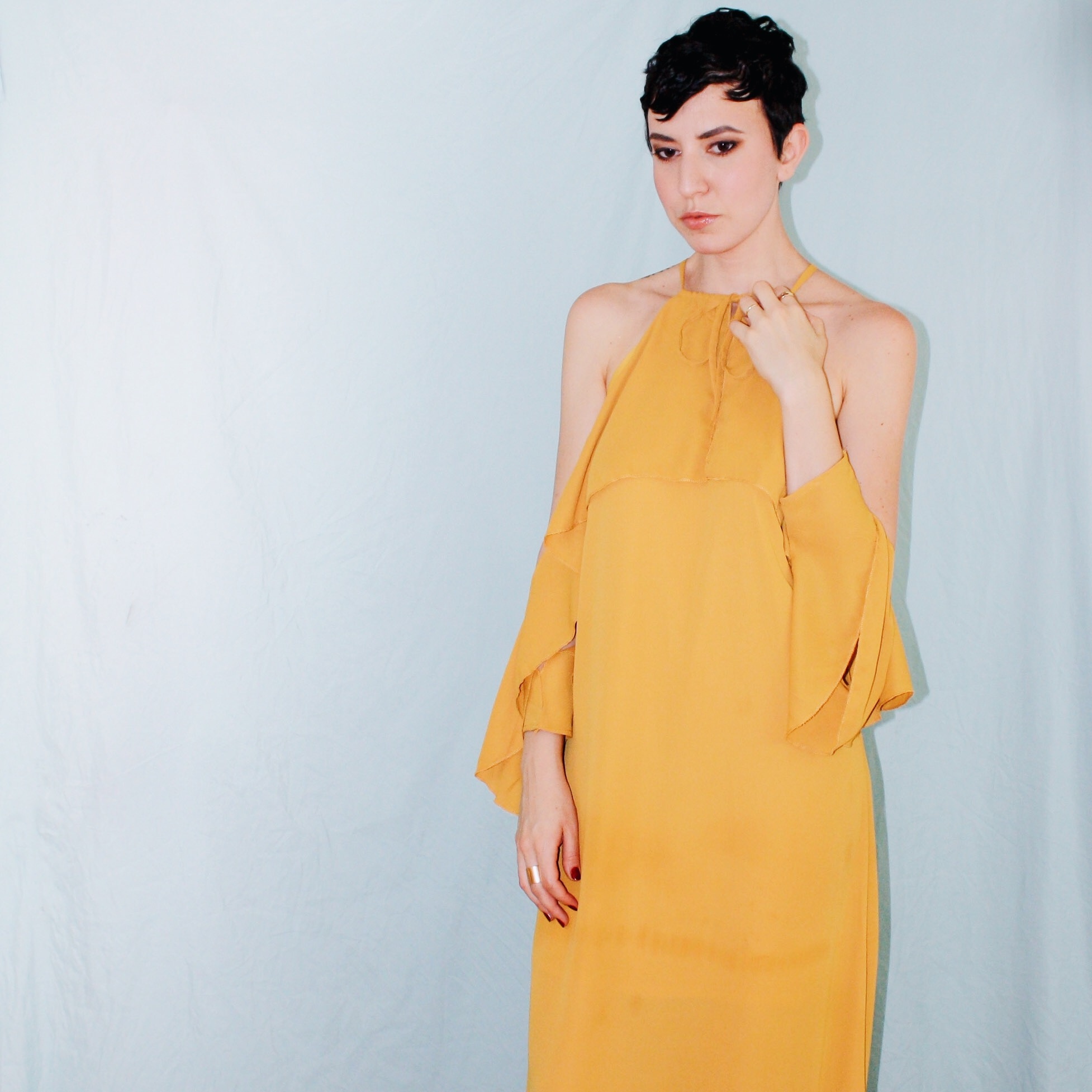 what to wear rooftop missguided yellow ruffle maxi dress ruffle sleeves 5