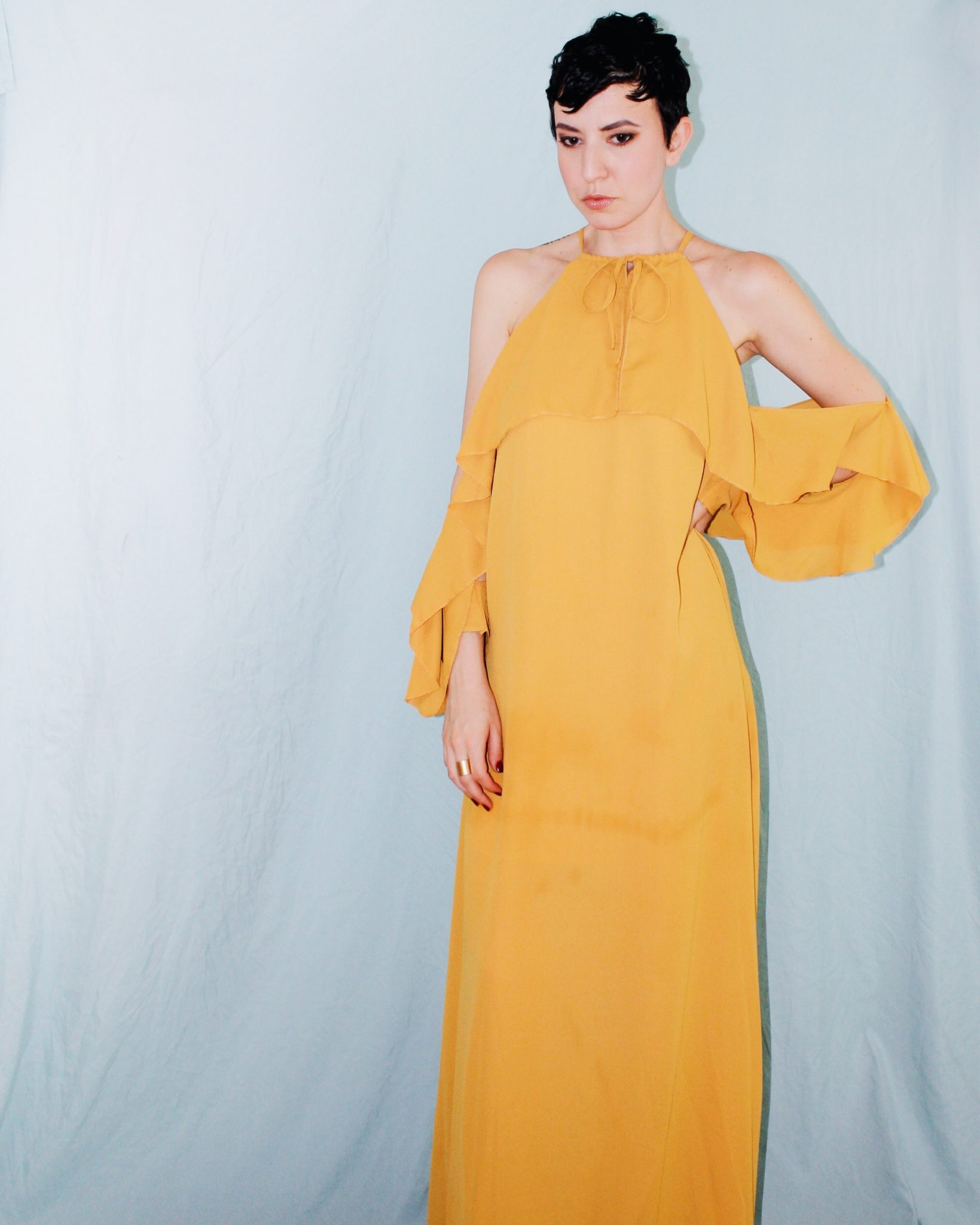 what to wear rooftop missguided yellow ruffle maxi dress ruffle sleeves 6