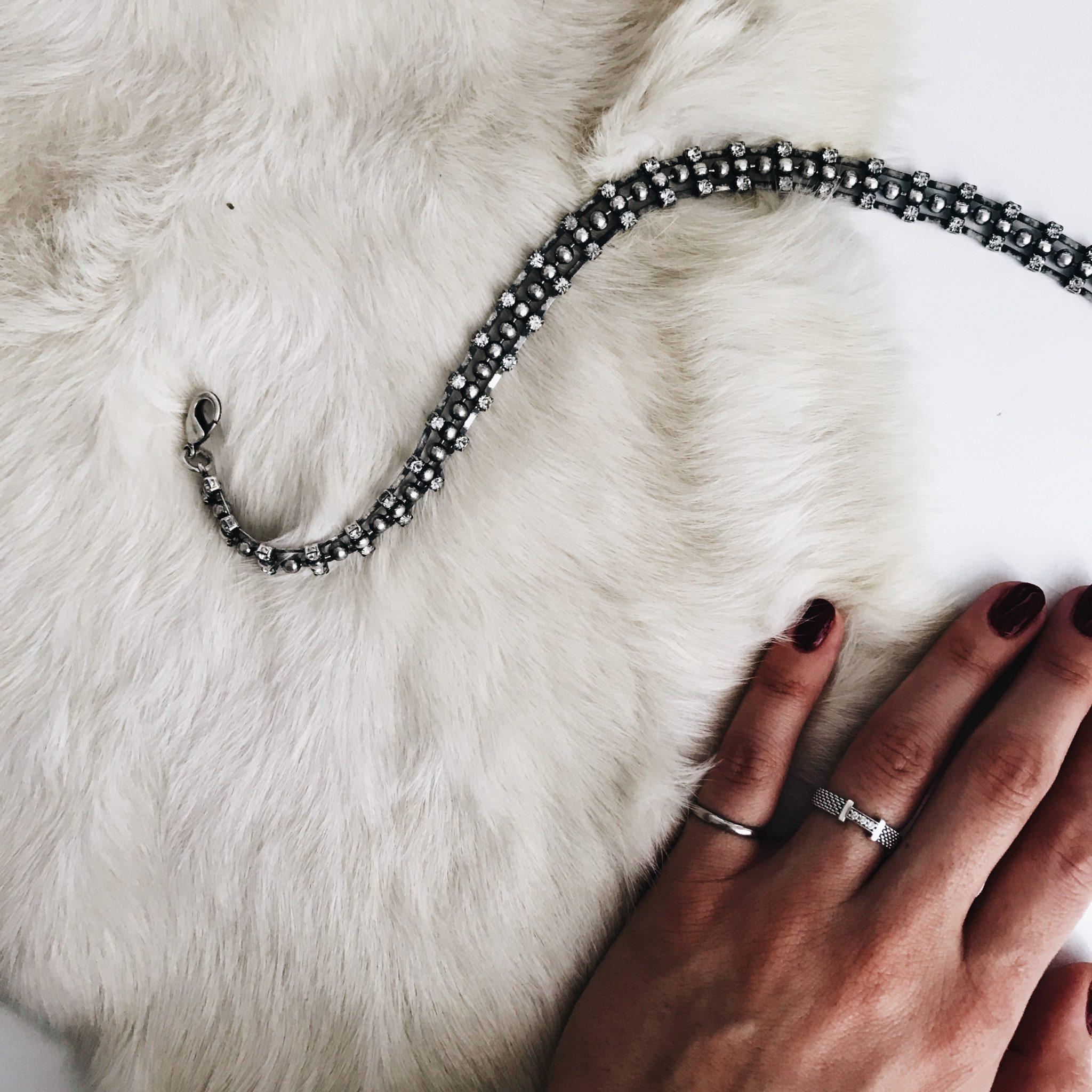 all black everything jewelry missguided leather jacket dannijo choker tiffany's diamond