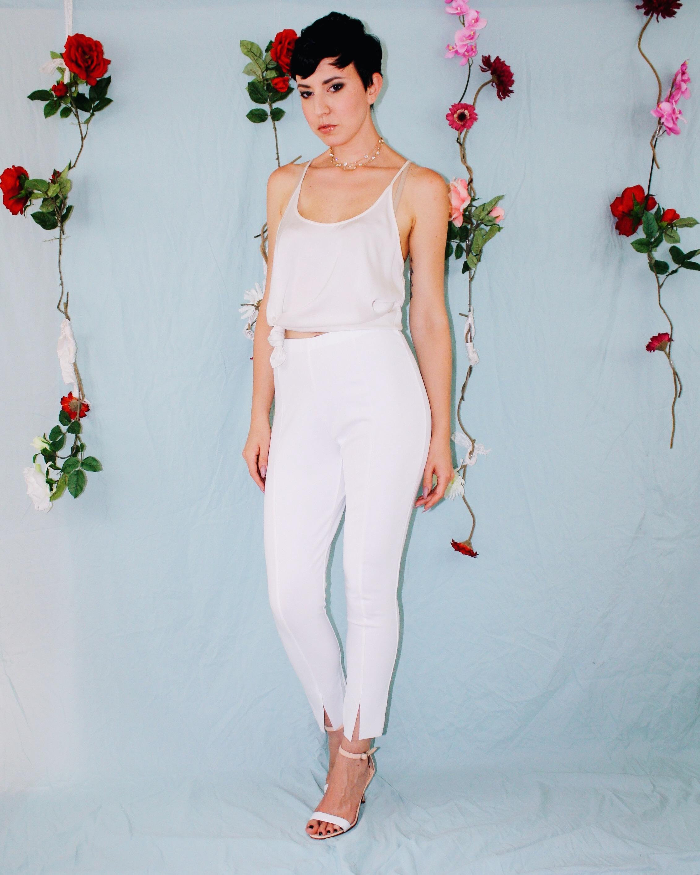 labor day outfit ideas white leggings silk tank lace boustier linen shorts dress