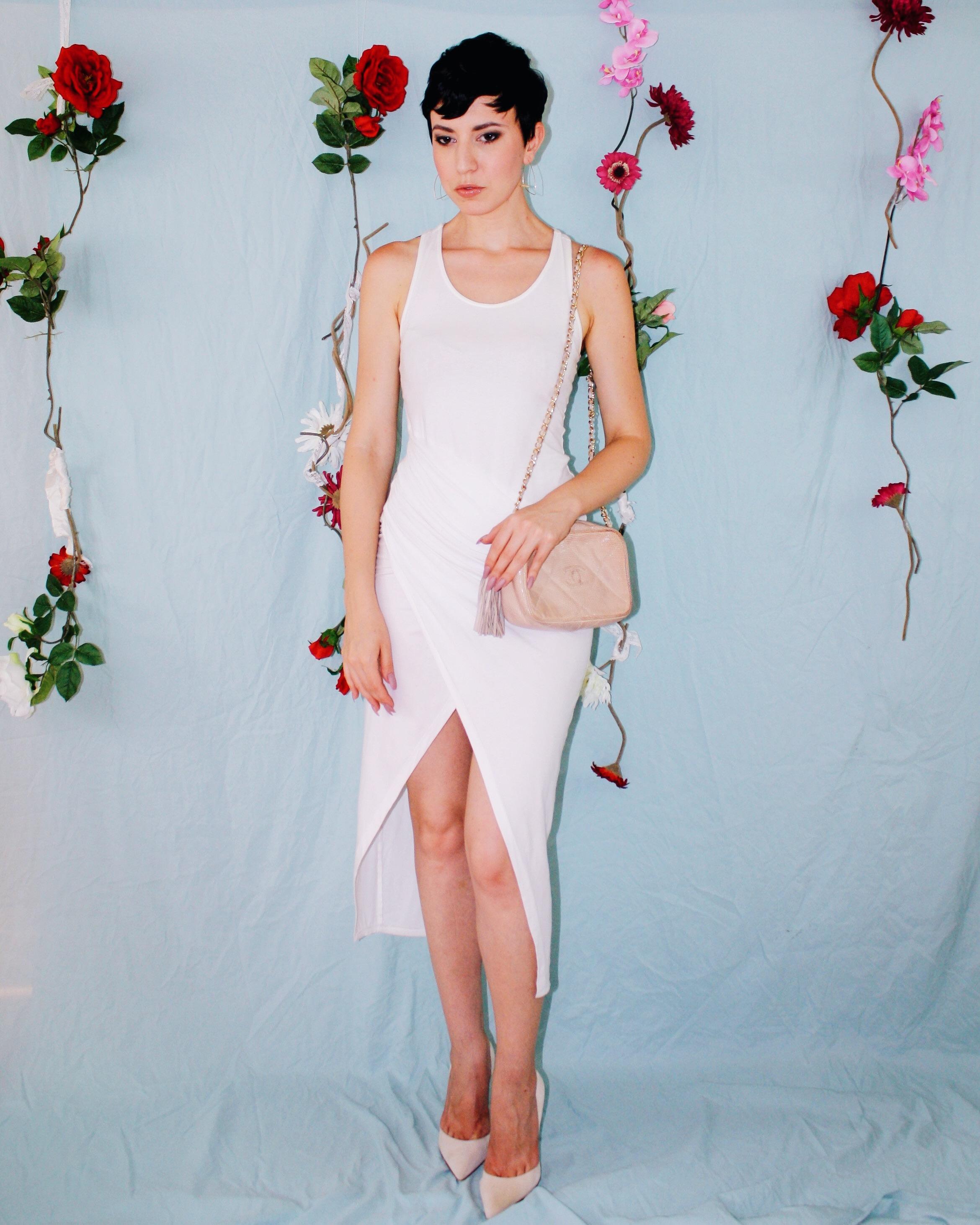 labor day outfit ideas white leggings silk tank lace boustier linen shorts dress 3