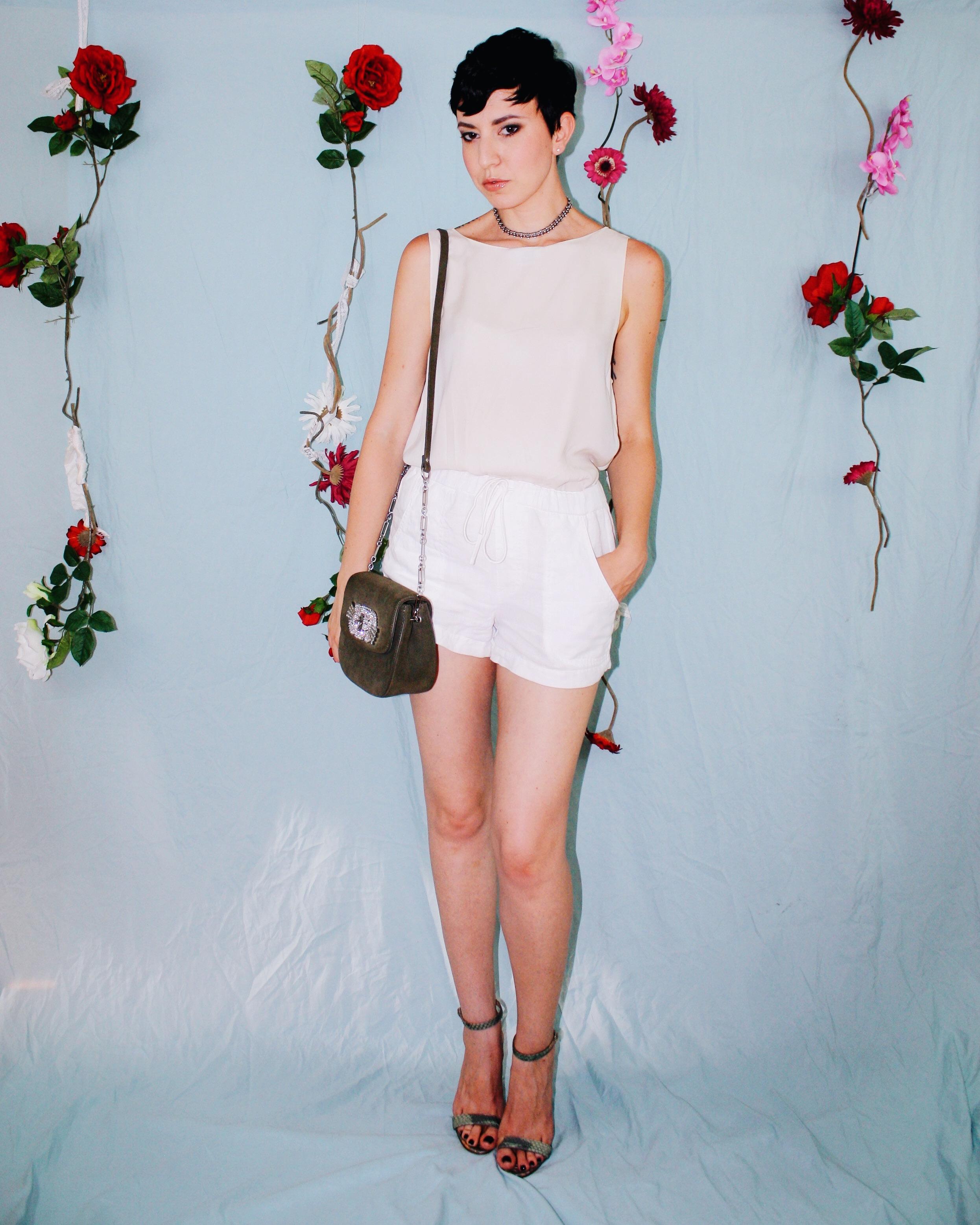 labor day outfit ideas white leggings silk tank lace boustier linen shorts dress 7