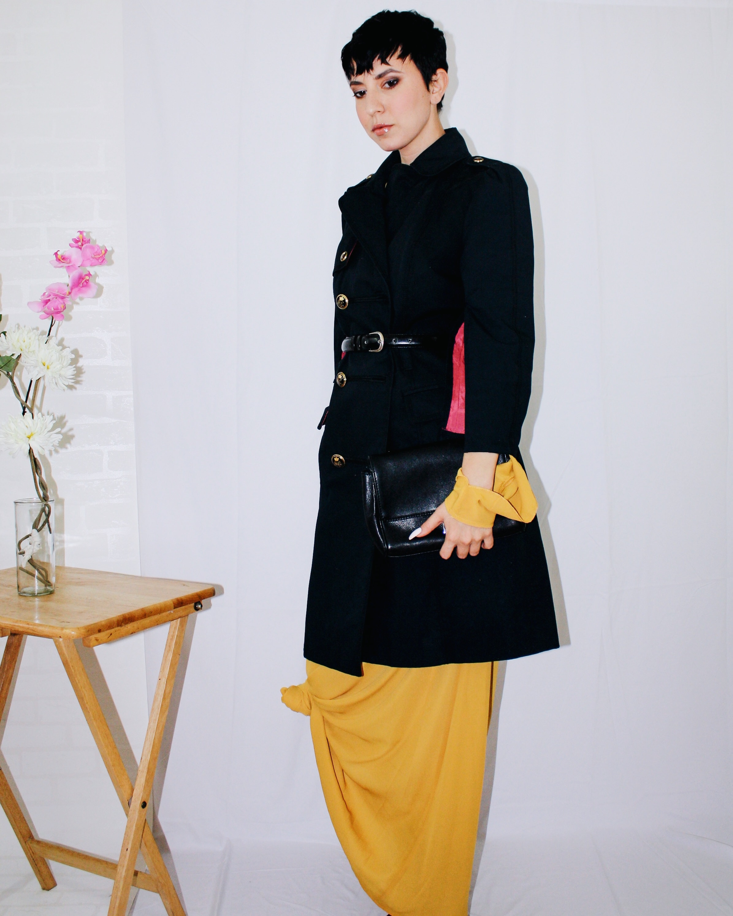 fall and colour mustard yellow missguided trench coat juicy couture manolo blahnik suede boots 2