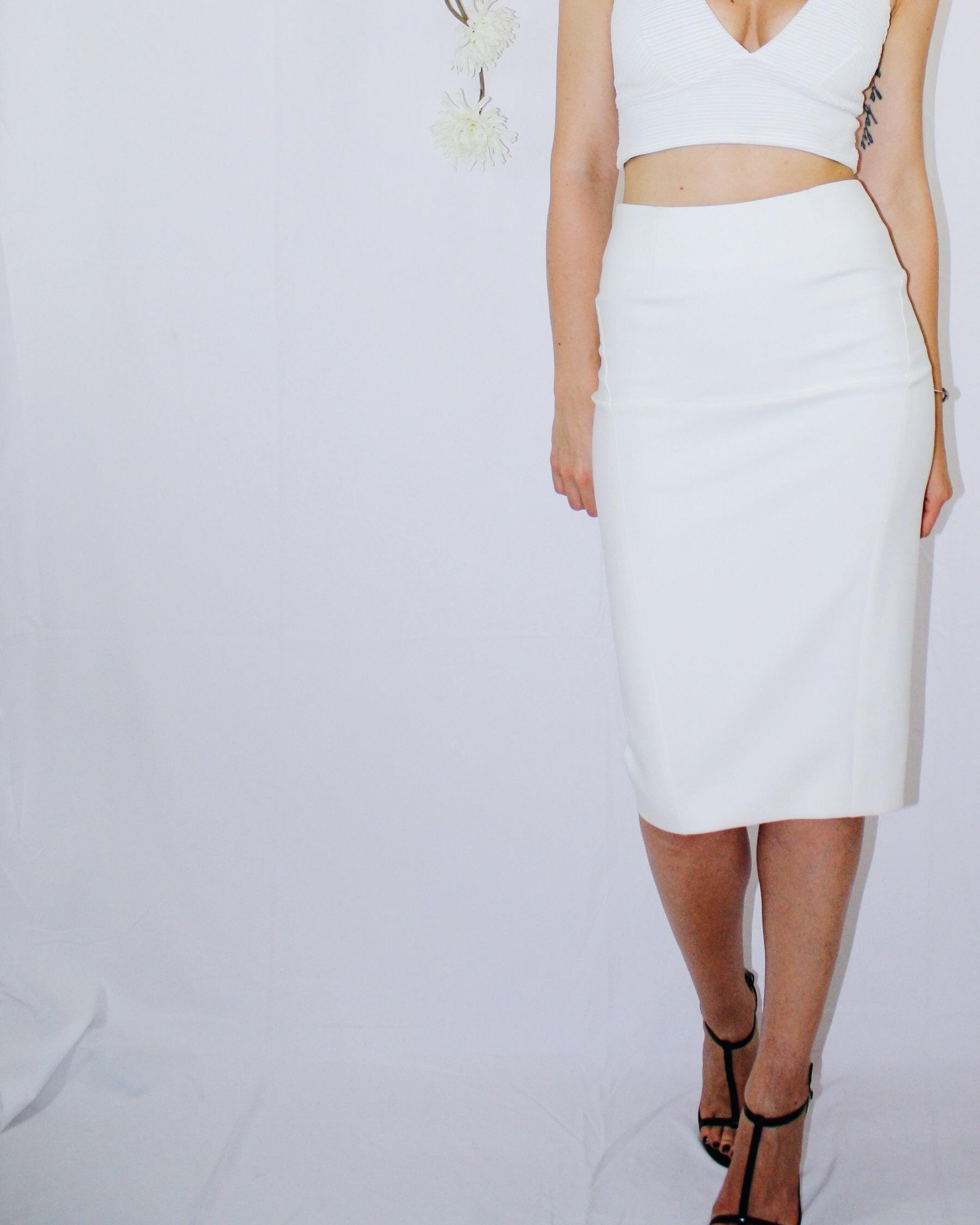 white skirt two ways elizabeth and james vintage second hand missguided crop top bag zipper black sandal dior dolce gabbana 3