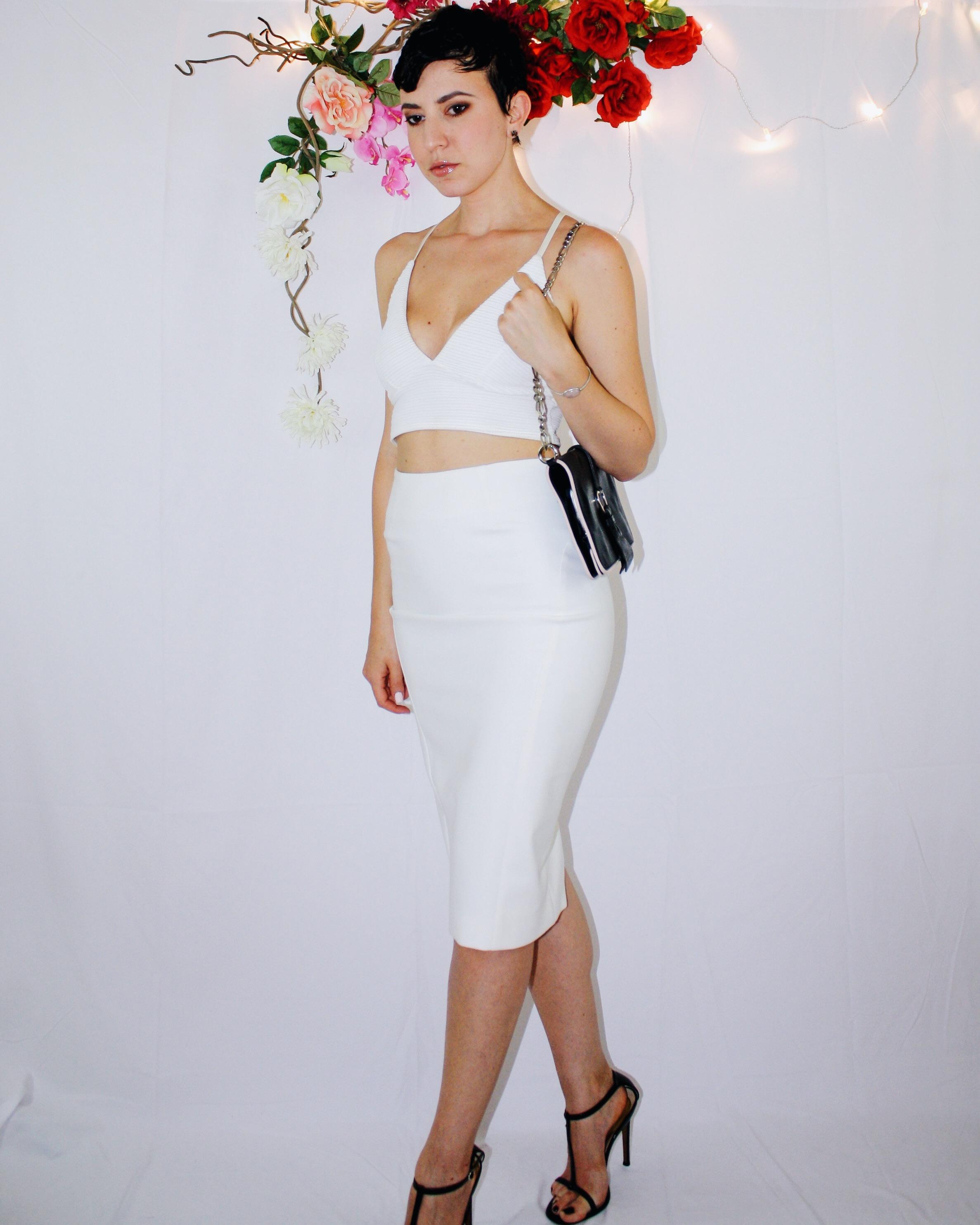 white skirt two ways elizabeth and james vintage second hand missguided crop top bag zipper black sandal dior dolce gabbana