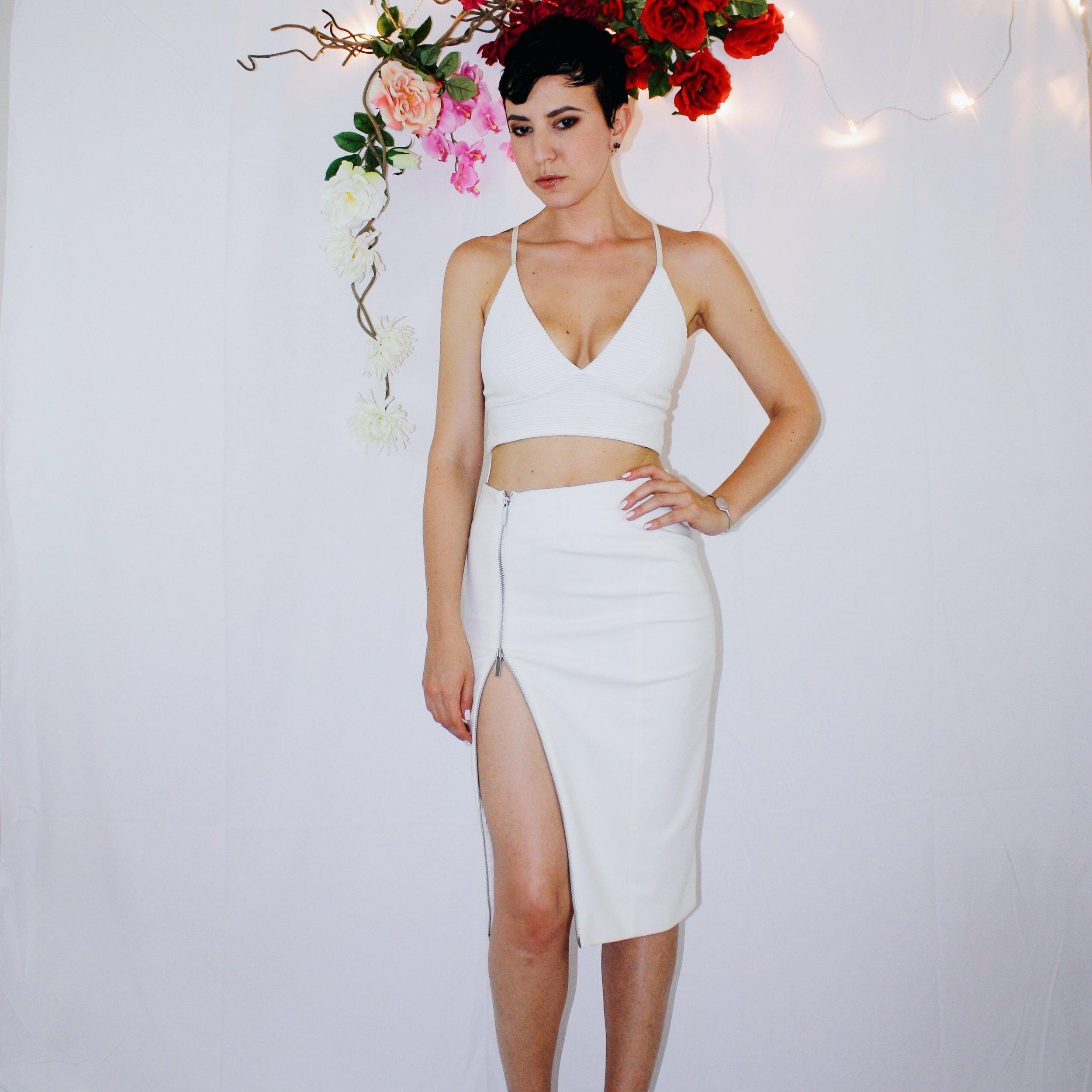 white skirt two ways elizabeth and james vintage second hand missguided crop top bag zipper black sandal dior dolce gabbana 4