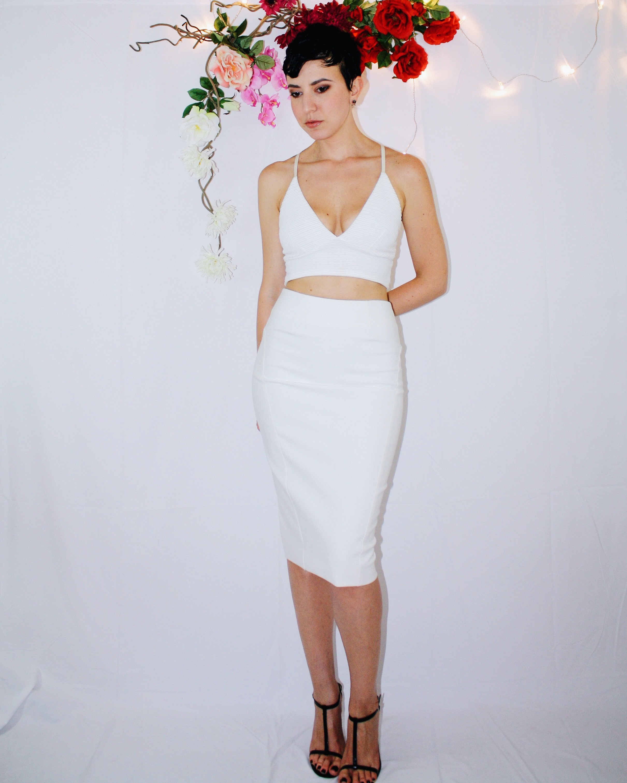 white skirt two ways elizabeth and james vintage second hand missguided crop top bag zipper black sandal dior dolce gabbana 5