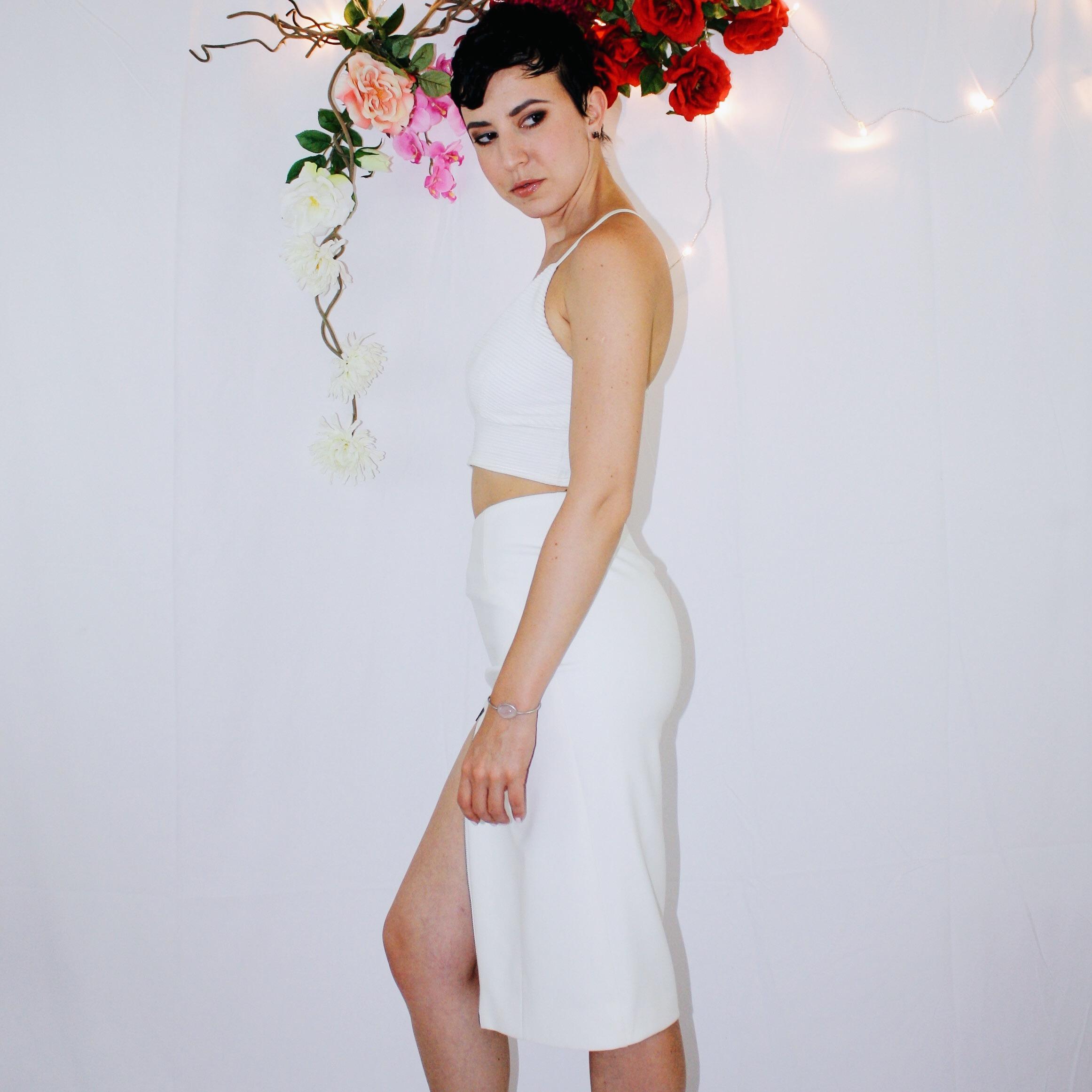 white skirt two ways elizabeth and james vintage second hand missguided crop top bag zipper black sandal dior dolce gabbana 7