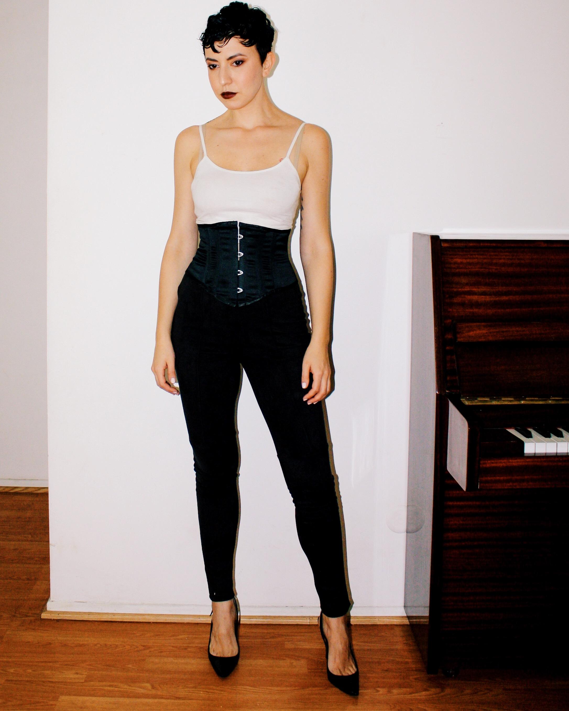 casual outfits manolo blahnik patent leather heels shoes suede pants piano white tank fur stole jacket corset belt 3