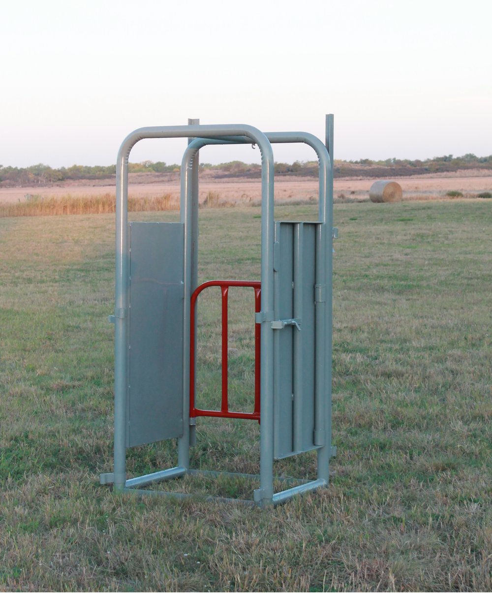 """- This palpation cage is a 2' extension to the chute, allowing for a safer work zone for the operator. It is designed with 4' sheeted doors on both sides which makes it convenient for pregnancy testing, castrating, artificial insemination, and also provides less stress for the animal. The door on this palpation cage is raised and lowered shutting it off from the working Alley. Right or Left Hand Cowboy latch optional.Weight: 240 lbs 