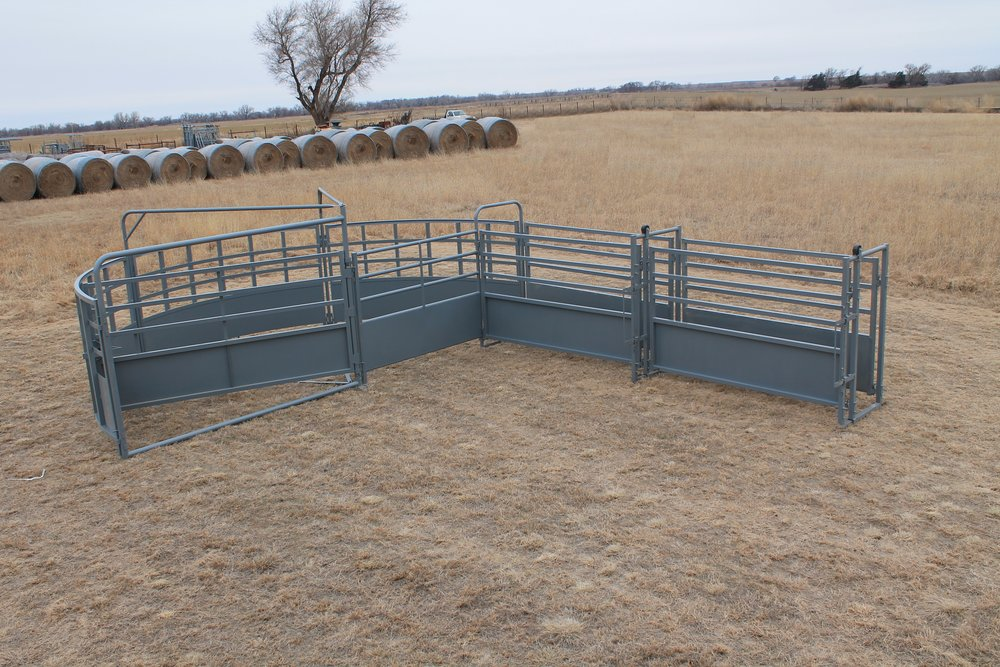 - The Open Sweep was designed to allow the cattlemen a more portable as well as a more versatile way of handling cattle. The Sweep Pen door will latch every 18