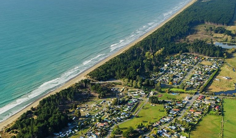 Welcome to Waikuku Beach Holiday Park -