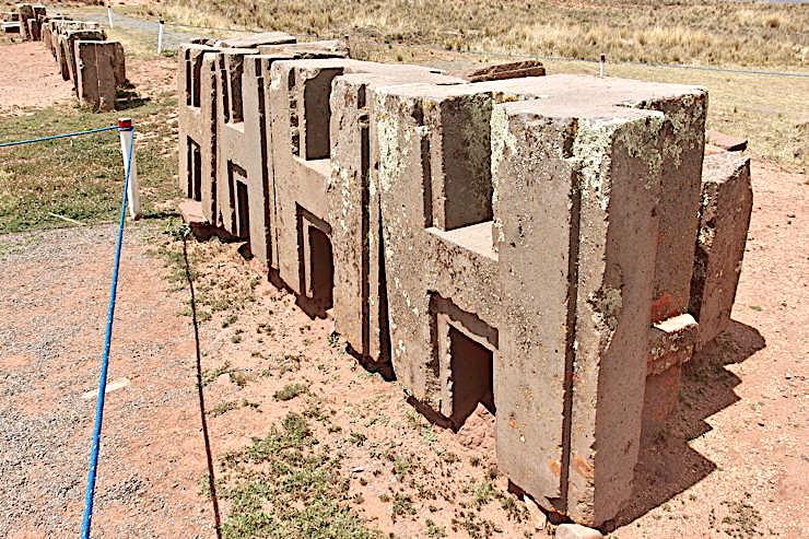 """Pumapunku """"H"""" sculptures with organo-mineral geopolymer matrix   ."""