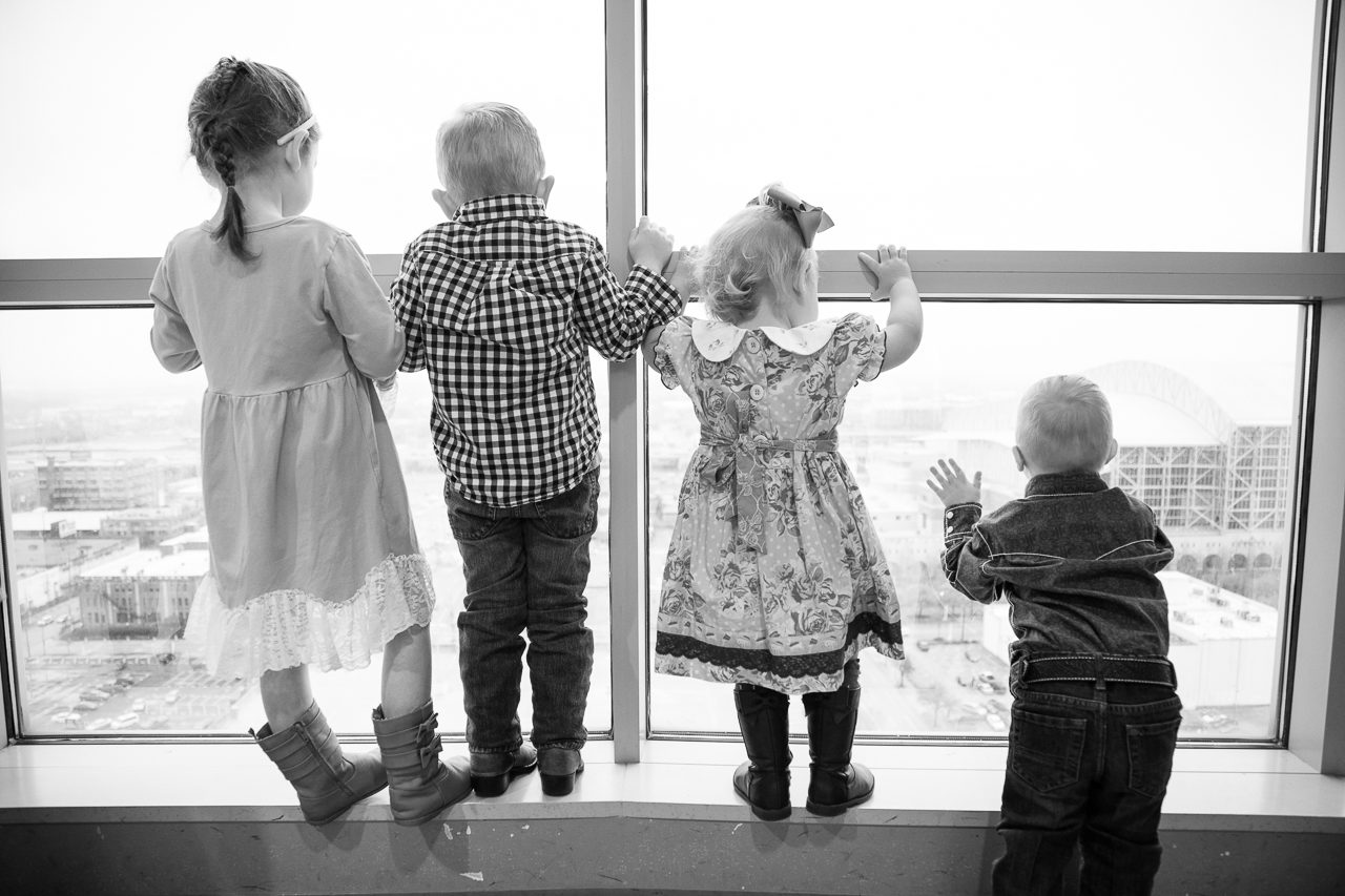 houston_adoption_photography-kids-at-window