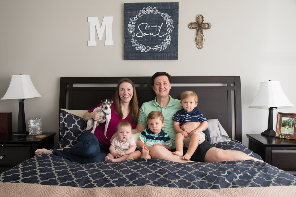 houston lifestyle photography family on bed