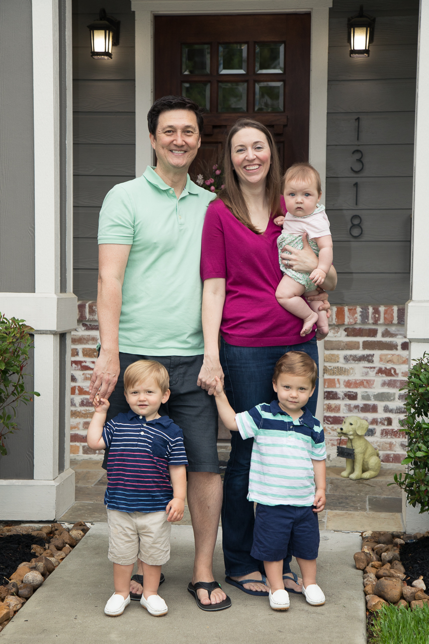 houston family lifestyle photography family in front of house