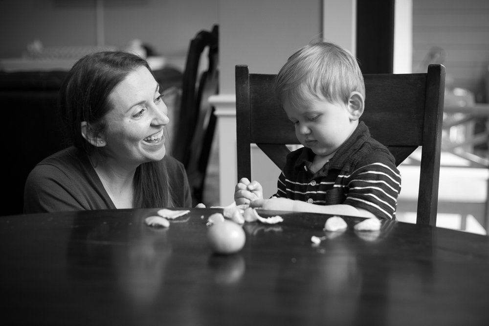 houston family lifestyle photography mom and toddler snack time