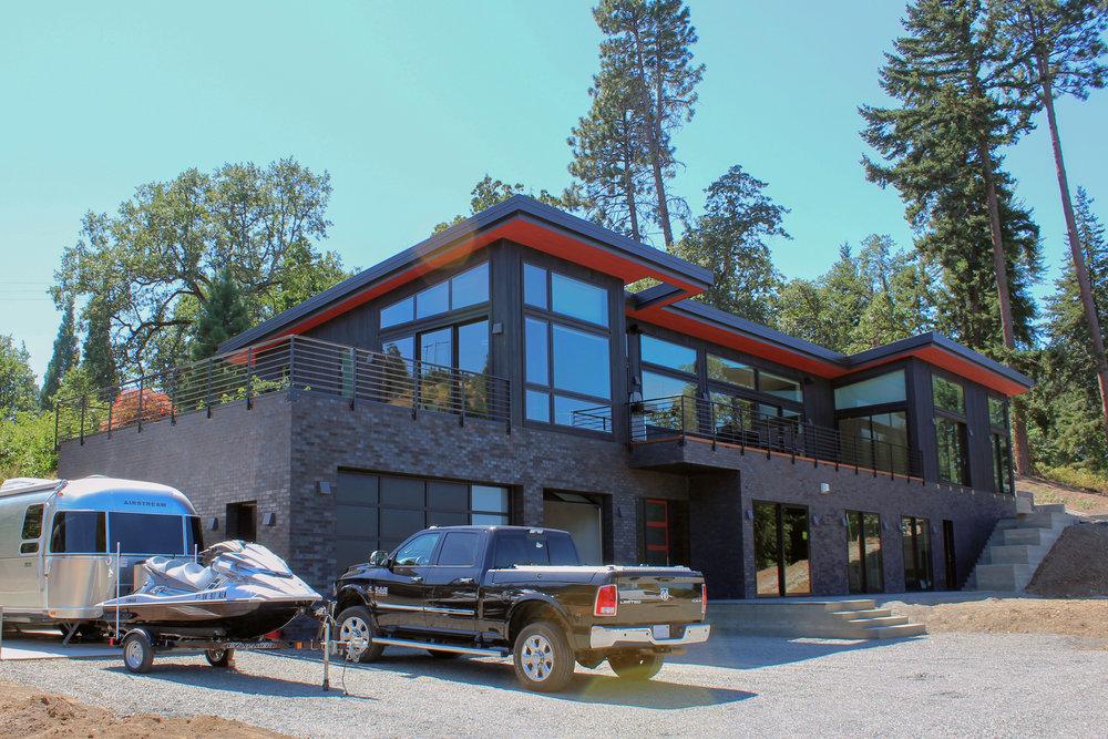 Modern House with Modern Window Coverings Hood River Oregon